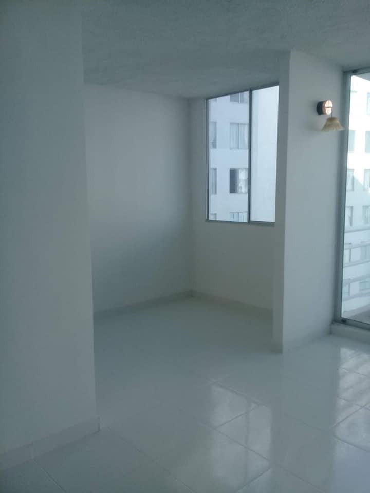 Amplio Apartamento en San José de los Campanos