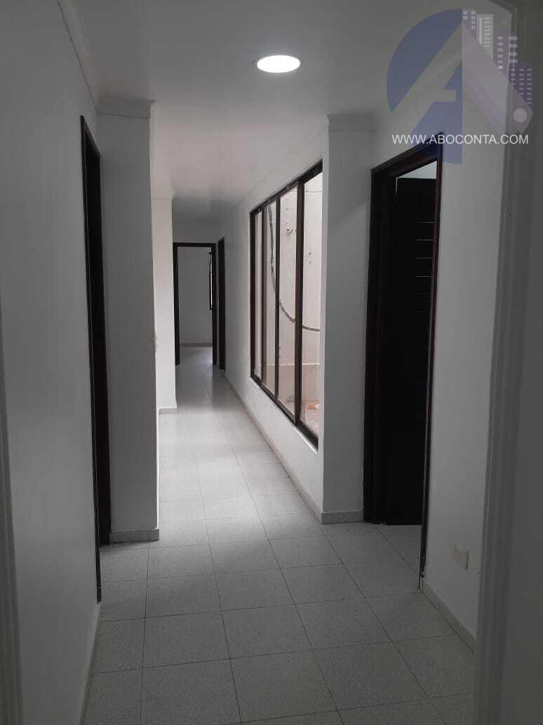 """Amplio apartamento en conjunto Residencial """"Entre Palmas"""""""
