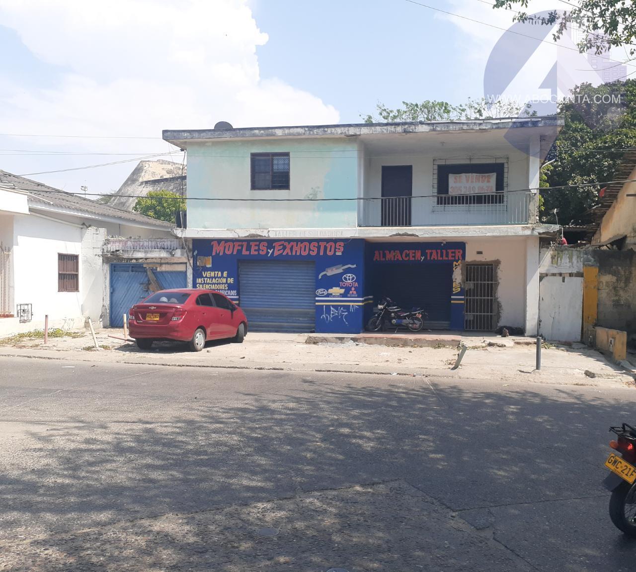 Casa en el barrio El Espinal, excelente ubicación frente al castillo San Felipe y el Mall Plaza